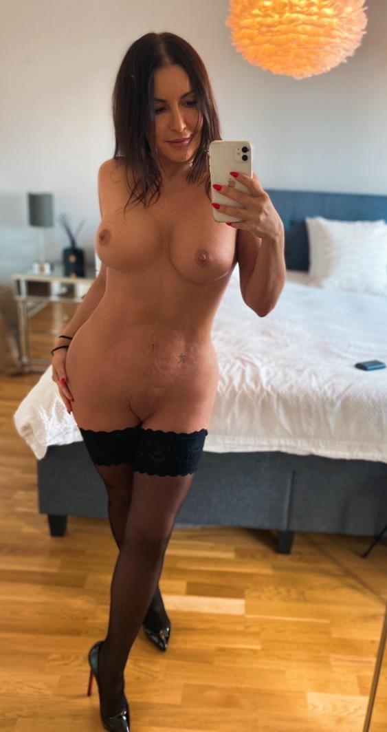 sexyb00bear from Rhondda Cynon Taf,United Kingdom